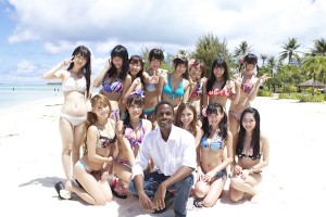 Jamaican in China with the ladies